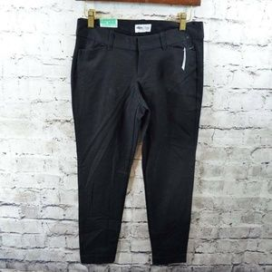 Old Navy Pixie Black Cropped Ankle Pants 2 NWT